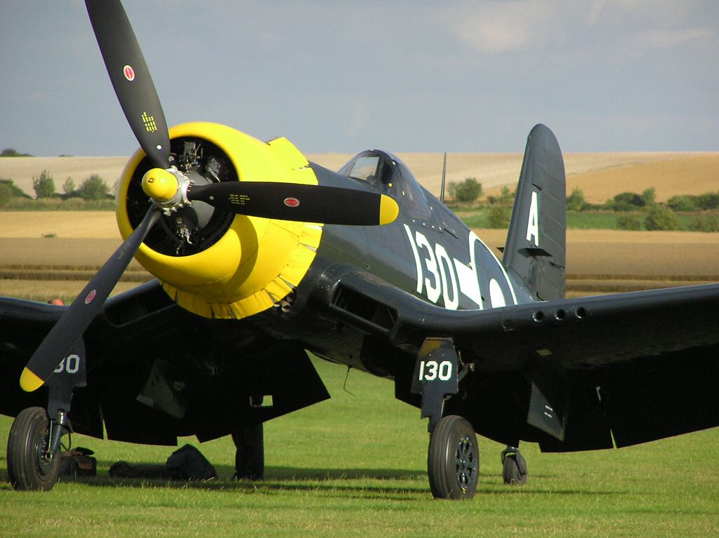 Chance-Vought F4U Corsair WW2 single-seat carrier-based fighter bomber  - Moore Aircraft warbird aviation photographs
