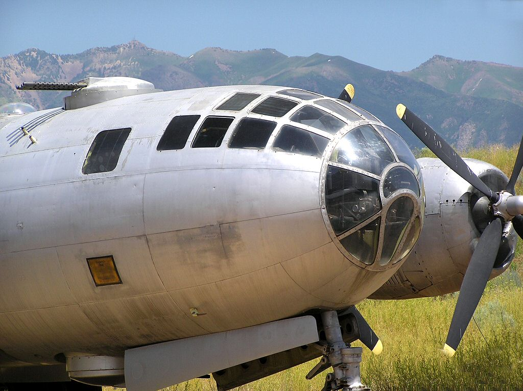 WW2 Boeing B-29 Superfortress Heavy long range nuclear and conventional heavy bomber Computer desktop background