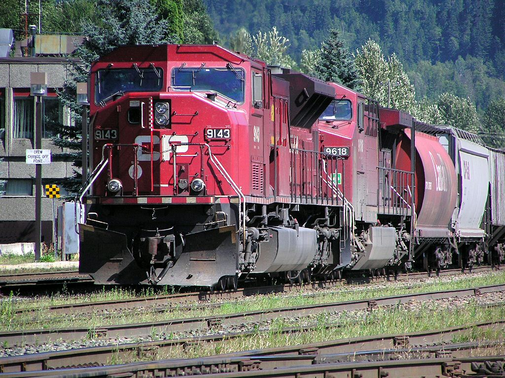 Canadian Pacific Railway Trains and Wagons. These Locomotives pull freight, lumber and passenger coaches across Canada from the Pacific to the Atlantic They are just like the ones you can drive with Microsoft train simulator