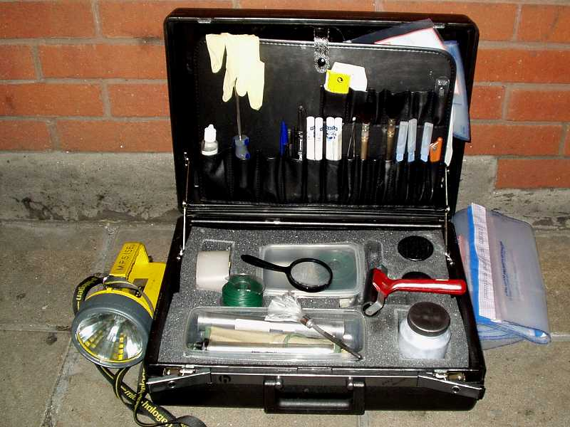 British Police Scenes Of Crime Officers Fingerprint And Sample Collection Kit