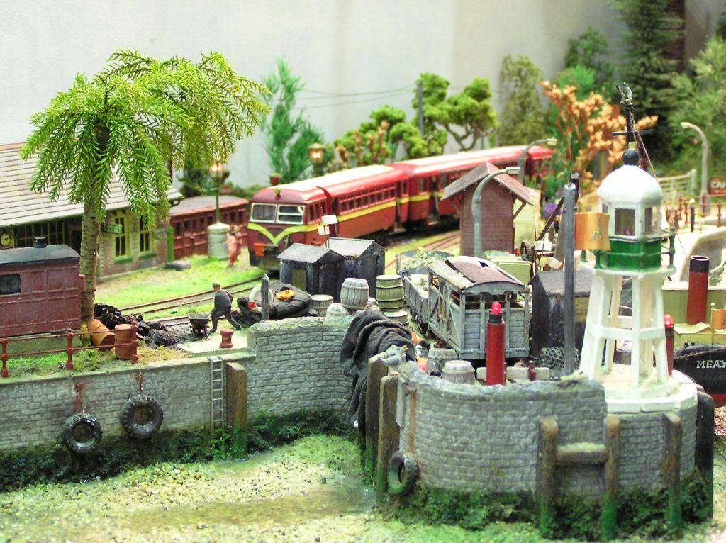 Free model railway steam diesel amp electric train set photographic