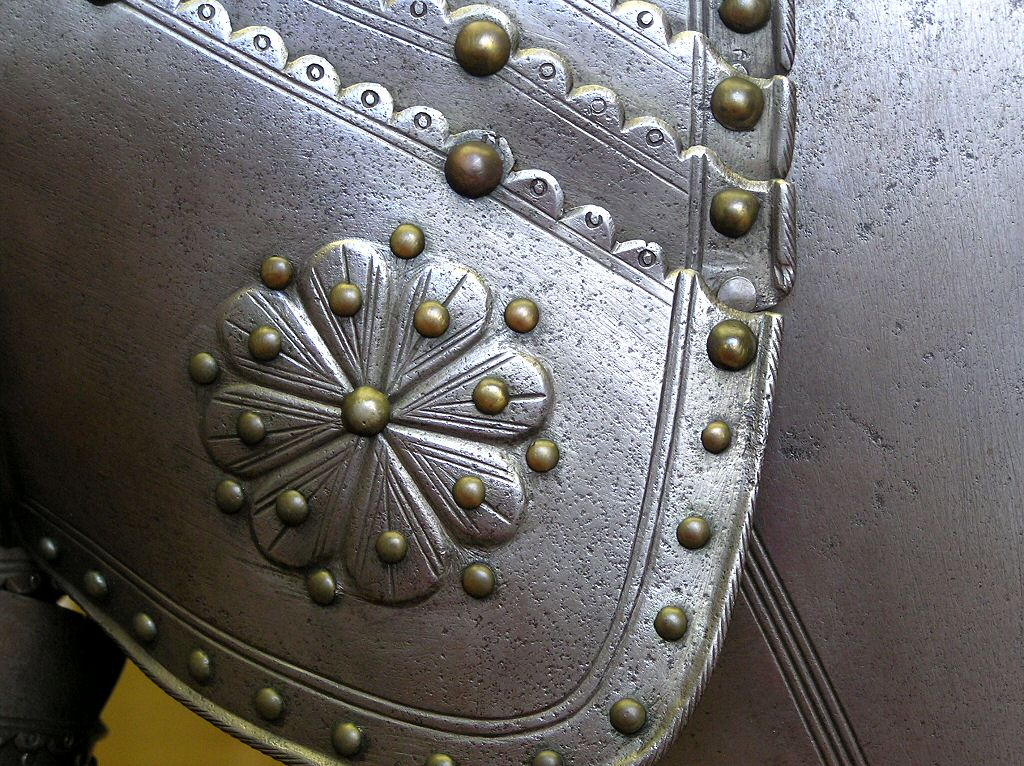 Decorated Knights Suit of Armour Shoulder Plate